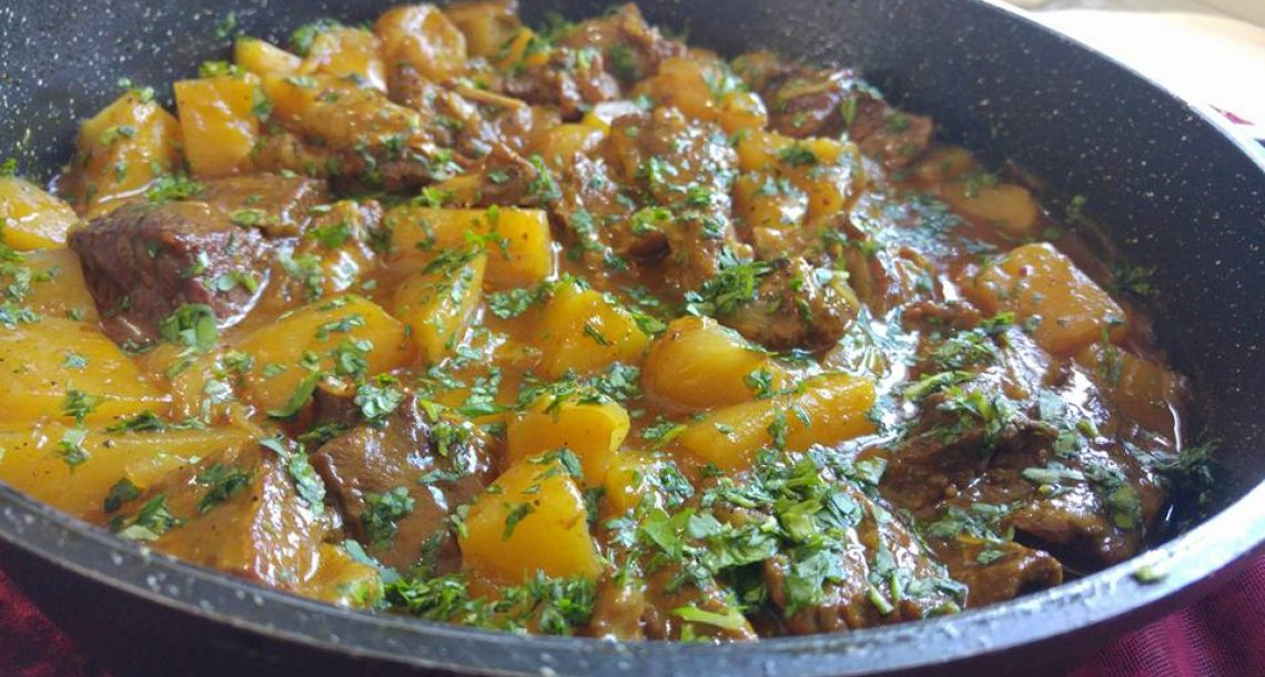 אסאדו עם תפוחי אדמה ושאלוט