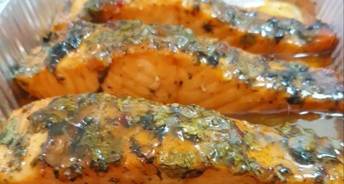 דג סלמון ברוטב משגע