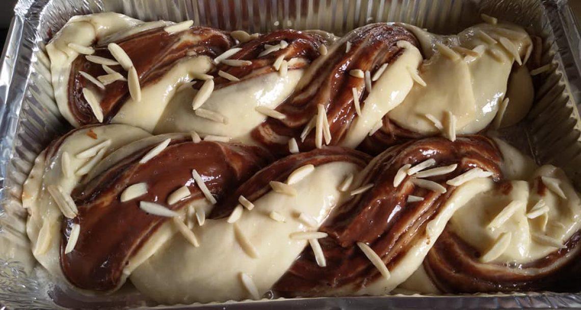 חגיגת שמרים רולדות נוטלה ושושניות במילוי חלבה ושוקולד