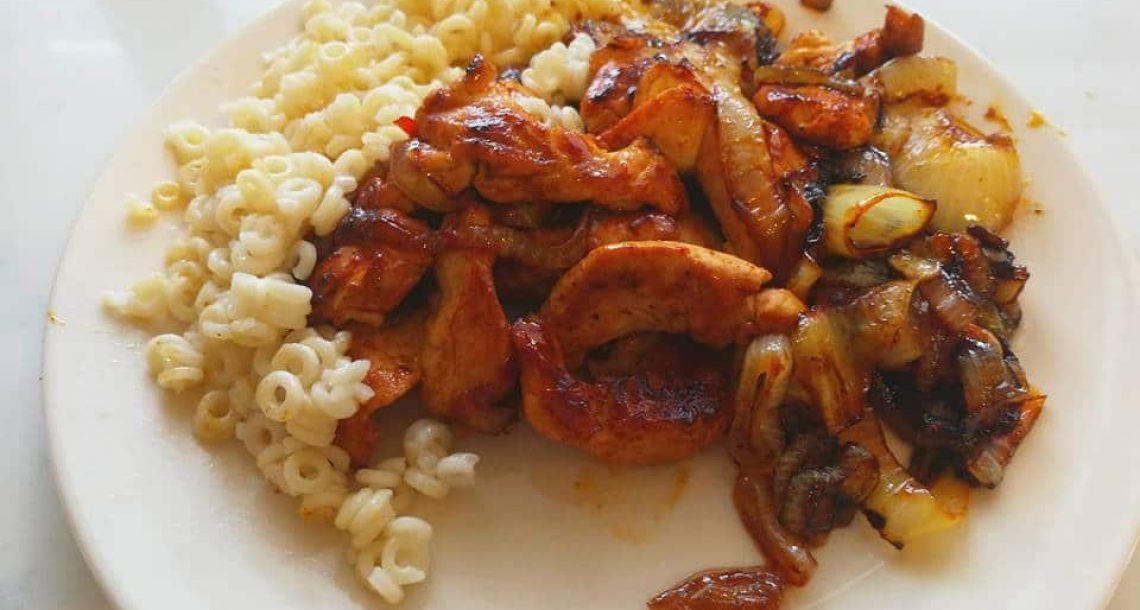חזה עוף עסיסי במרינדה של צילי מתוק חריף וסויה