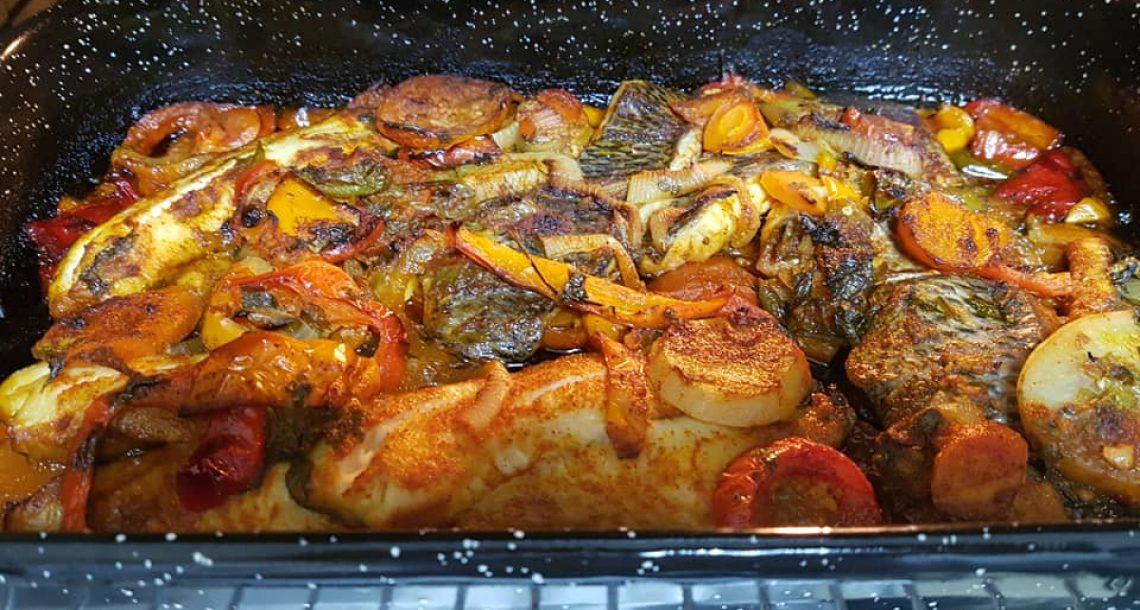 מושט בתנור עם ירקות