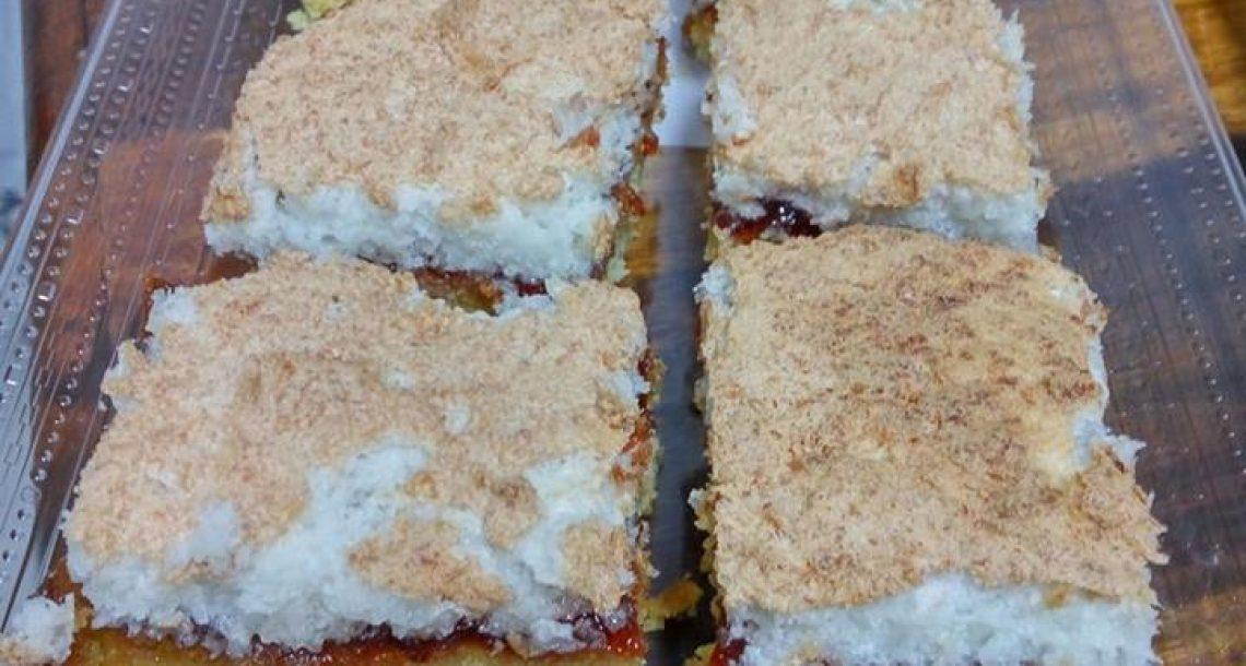 עוגה נוסטלגיה – עוגת קוקוס עם ריבה