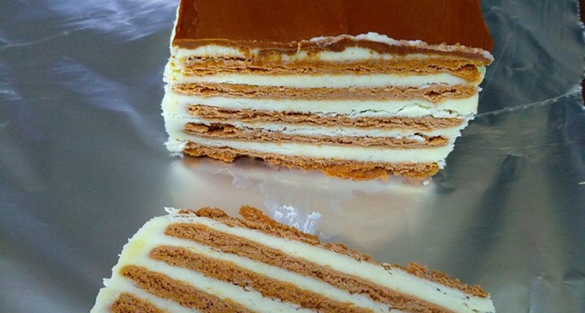 עוגת ביסקוויטים – משולשת פסים ורגילה