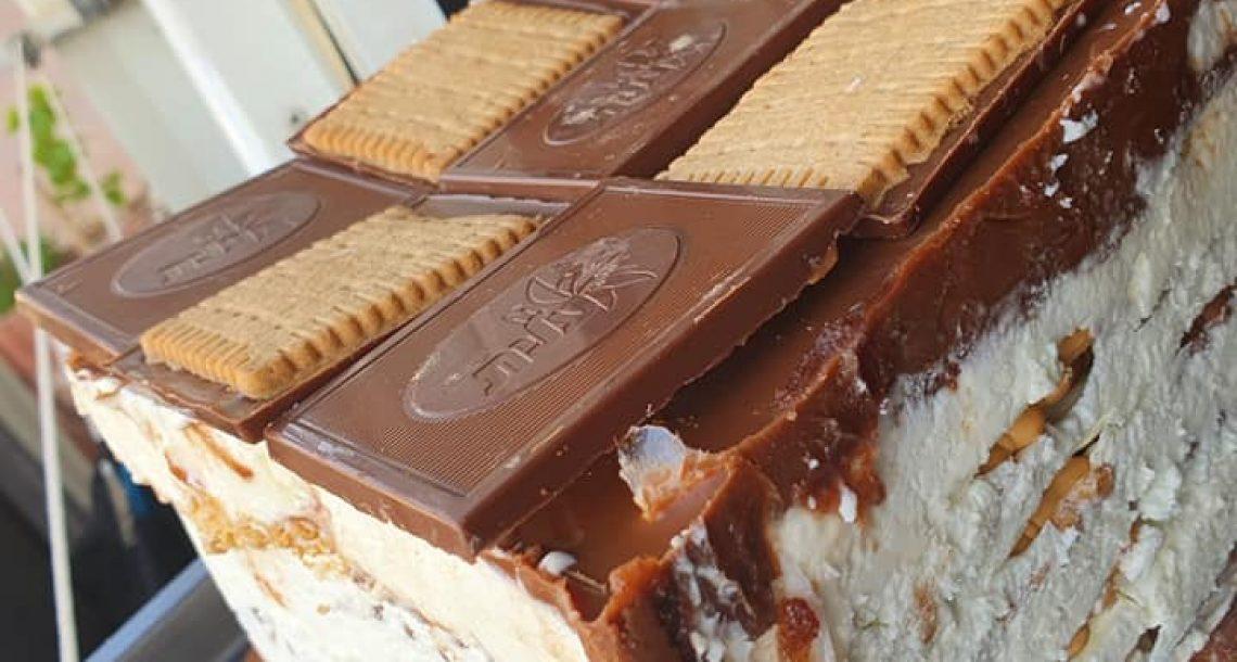 עוגת ביסקוויטים עד חצות