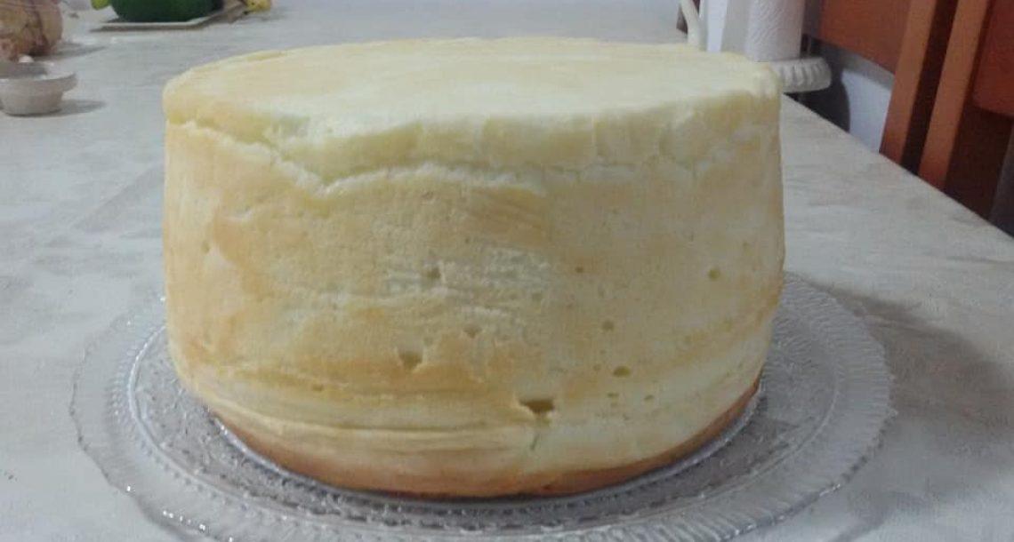 עוגת גבינה גבוהה ורכה