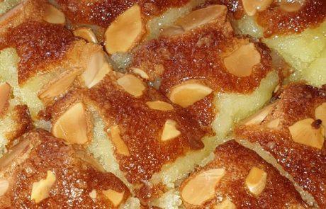 עוגת סולת בשתי דקות הכנה – טעימה ליד הקפה