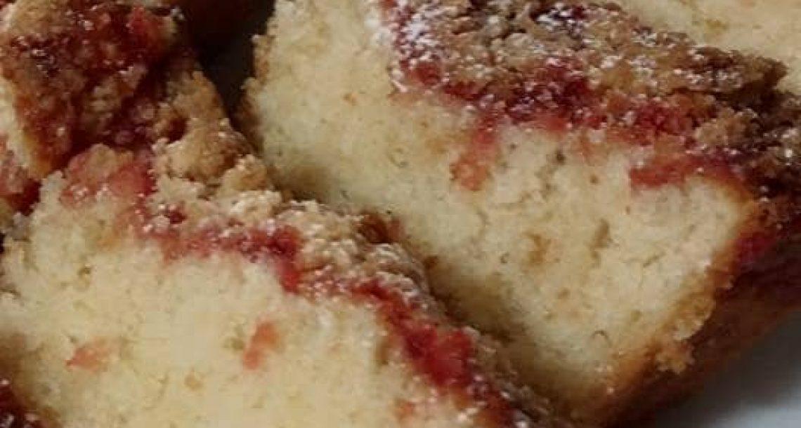 עוגת ריבה פירורים מעלפת ב- 5 דקות הכנה