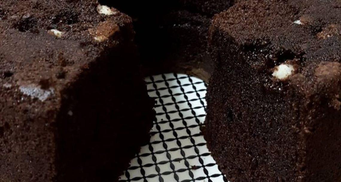עוגת שוקולד מעלפת עם פטנט