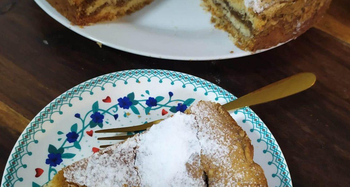 עוגת שכבות פריך נס קפה עם מרנג ואגוזים – נוסטלגיה