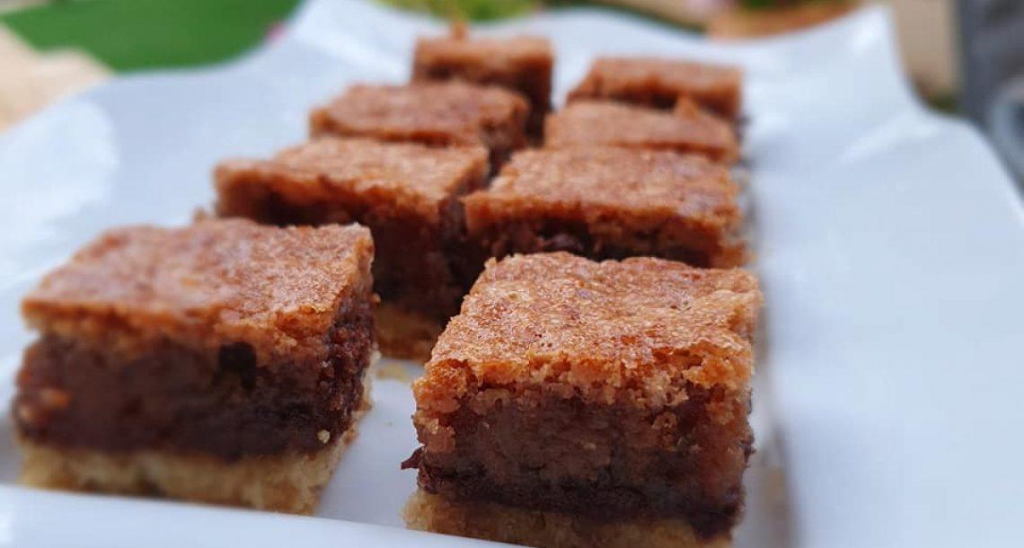 עוגת שכבות שוקולד וקראנץ אגוזים