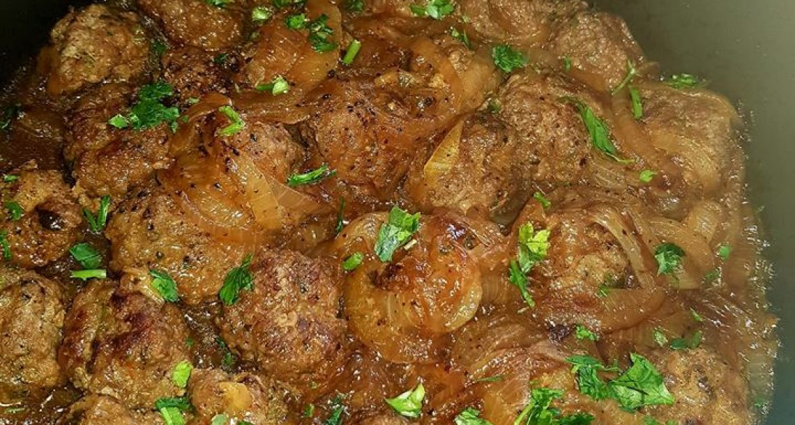 קציצות בשר עם בצל מקורמל