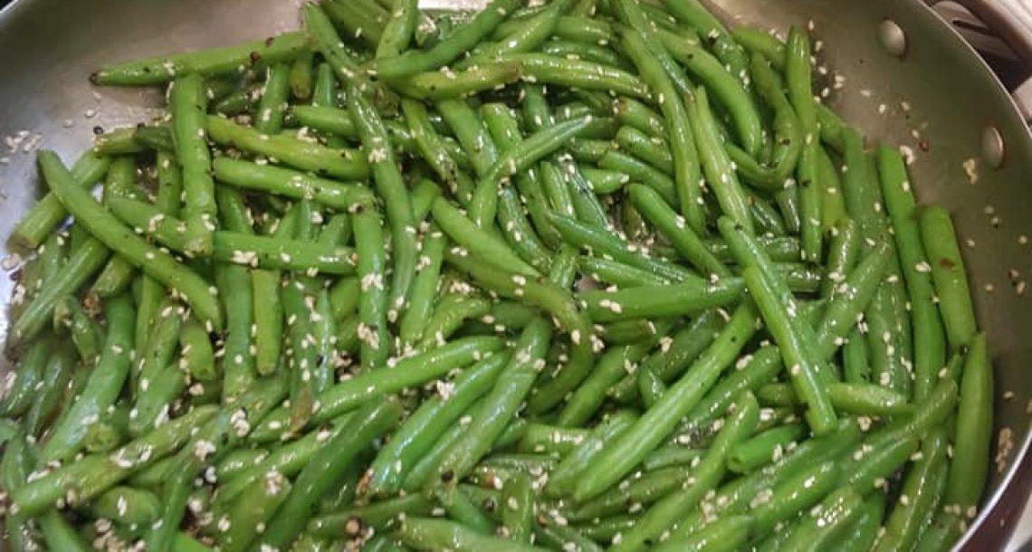 שעועית ירוקה מוקפצת במחבת