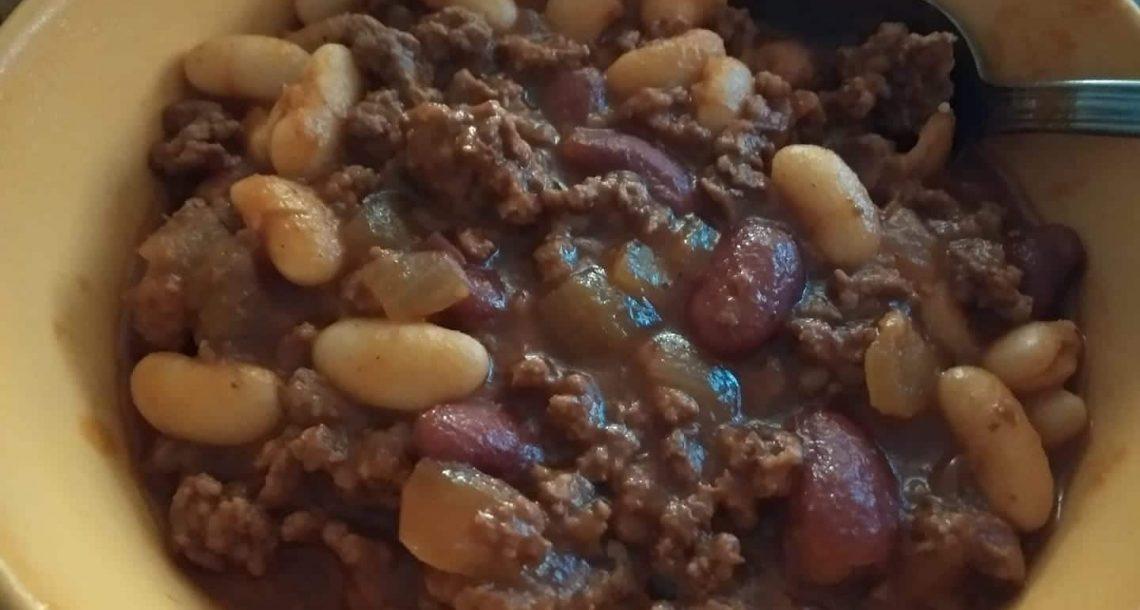 """תבשיל בסגנון """"צילי קון קרנה"""" קליל וטעים"""