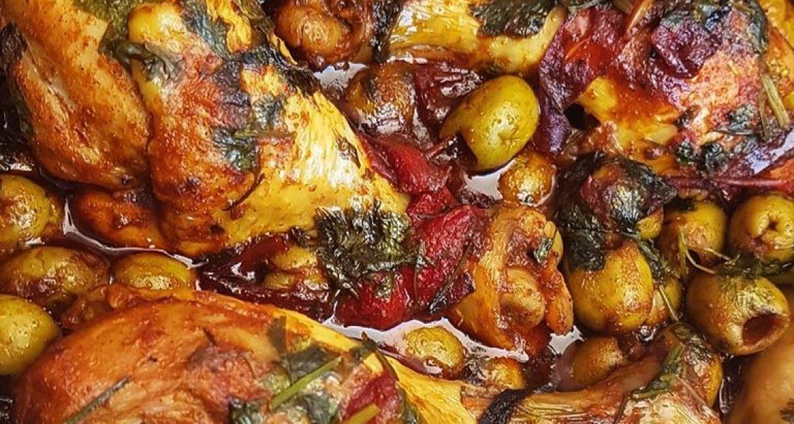 תבשיל עוף עם זיתים מרוקאים