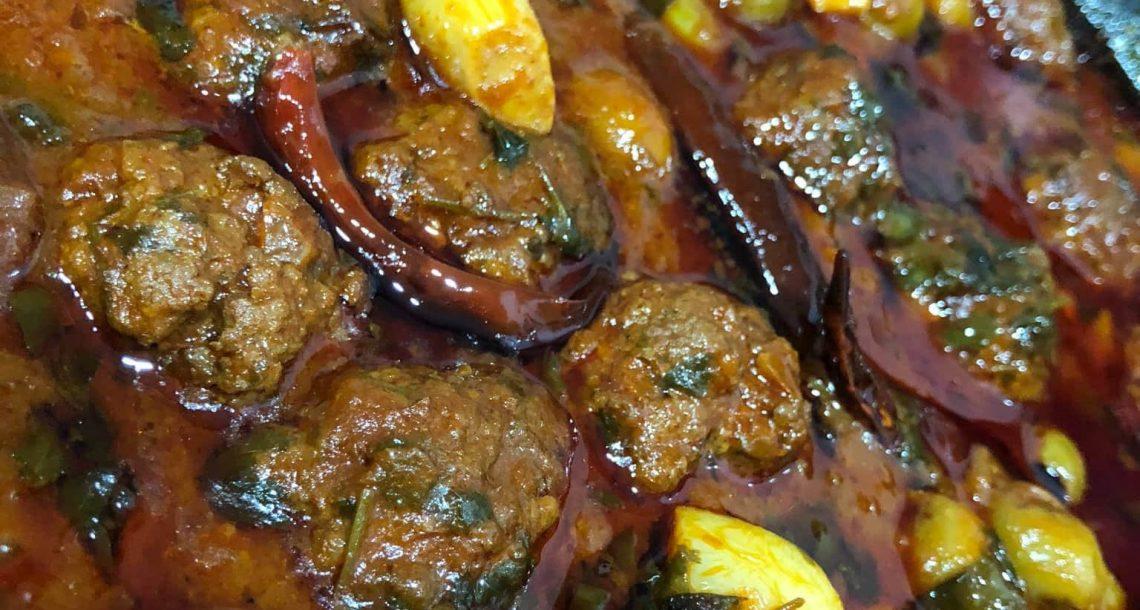 תבשיל קציצות פיקנטי עם זיתים ושום